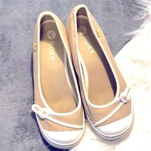 ROXY canvas wedge heels ~ 9